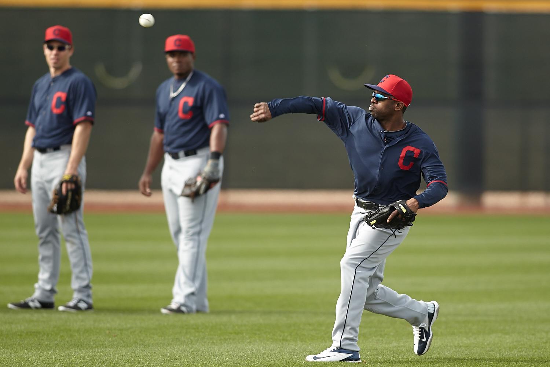投球肘にアプローチする伸張性筋活動